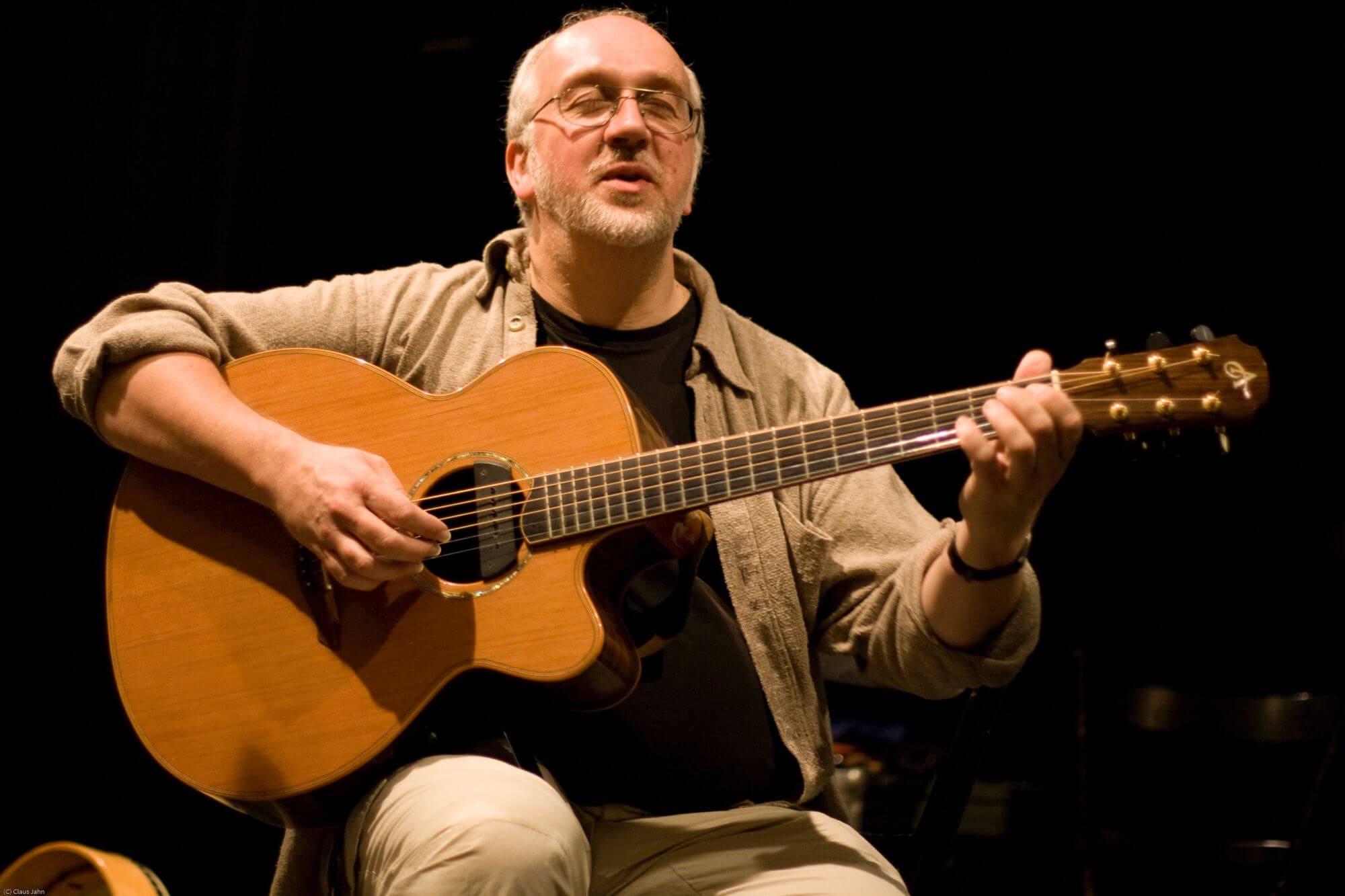Ian Melrose (Soto: Claus Jahn)